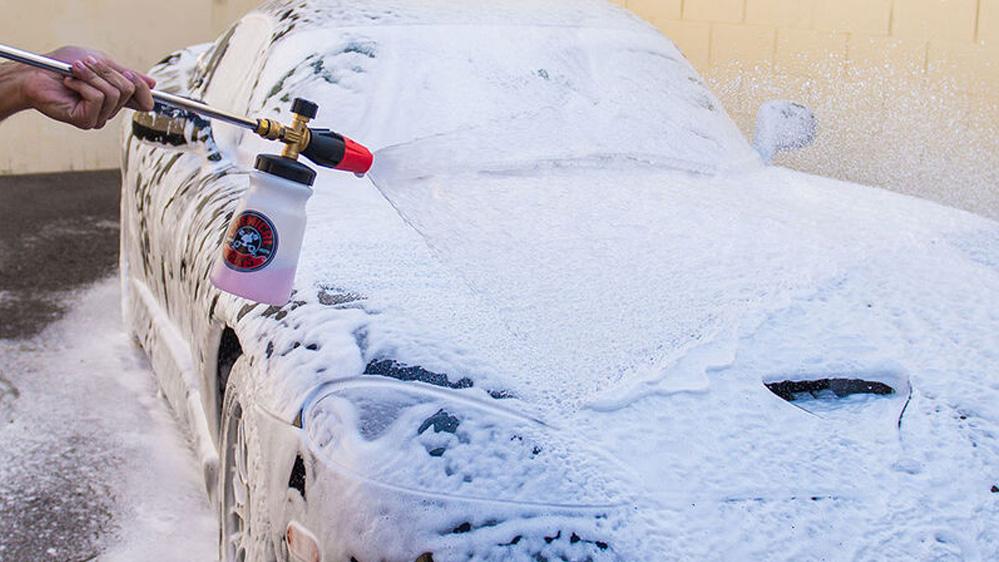 champ coche negro chemical guys black light car soap