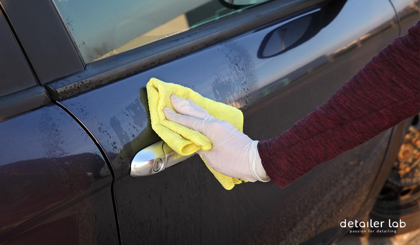 desinfectar exterior del coche de coronavirus