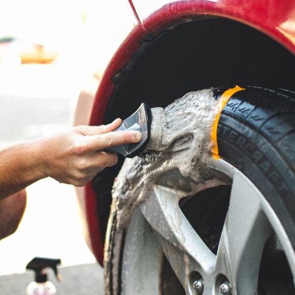 cepillo lavar neumáticos