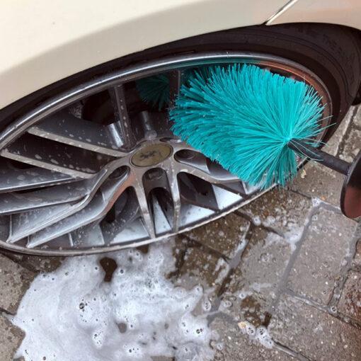cepillo limpia llantas coche