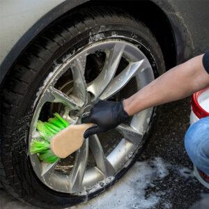 cepillo neumaticos coche